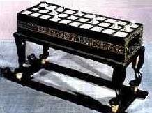 game_table_tutankhamen.jpg